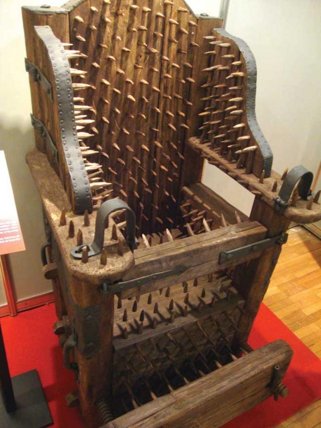 educatia-prin-tortura-50-de-aparate-infernale-aduse-la-bucuresti-8392549