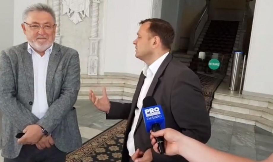 (video) Andrei Năstase cere explicații viceprimarului Nistor Grozavu despre subiectul demolării cinematografului Gaudeamus