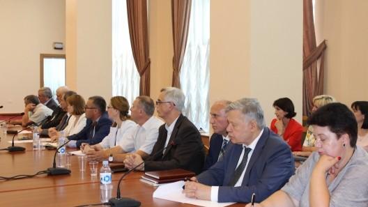 Ministra Monica Babuc le-a solicitat rectorilor să asigure o concurență loială în procesul de admitere în universități