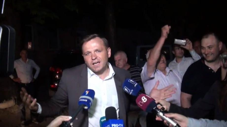 (video) Andrei Năstase, întâmpinat cu urale la sediul partidului. Primele declarații