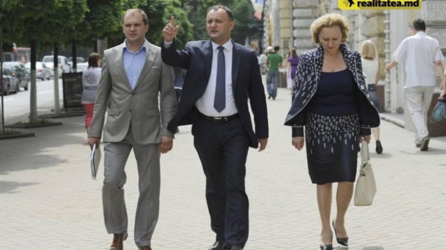 Reacțiile internauților la rezultatele intermediare din turul II al alegerilor locale din Chișinău