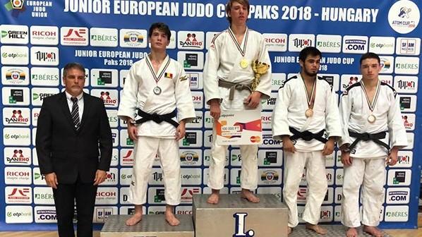 Doi tineri din Moldova au obținut medaliile de bronz la Cupa Europei la judo printre juniori