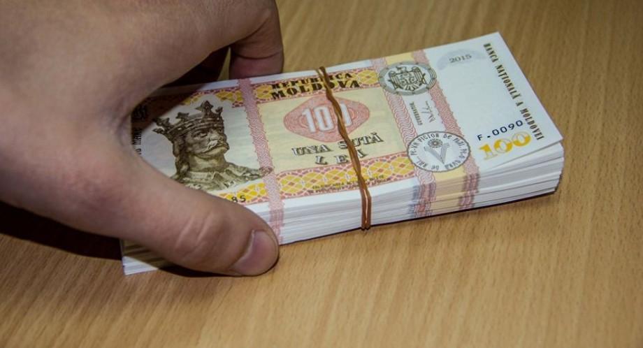 (doc) Top 100 cele mai mari salarii din Moldova. Lăcătușii și sudorii pot câștiga lunar circa 20.000 de lei
