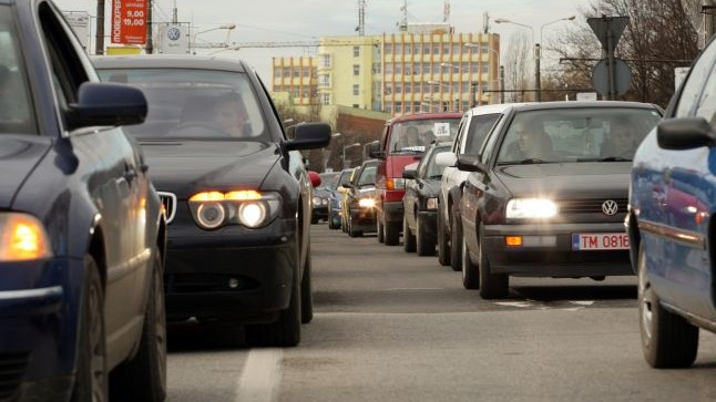 Parlamentul a adoptat reguli noi pentru mașinile cu numere străine care intră pe teritoriul Republicii Moldova