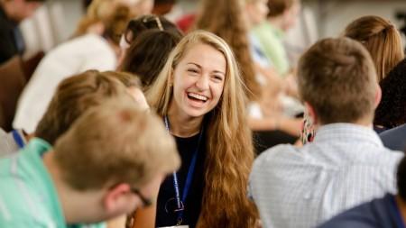 Tinerii din Moldova pot participa la un forum internațional de leadership. Grăbește-te să te înregistrezi