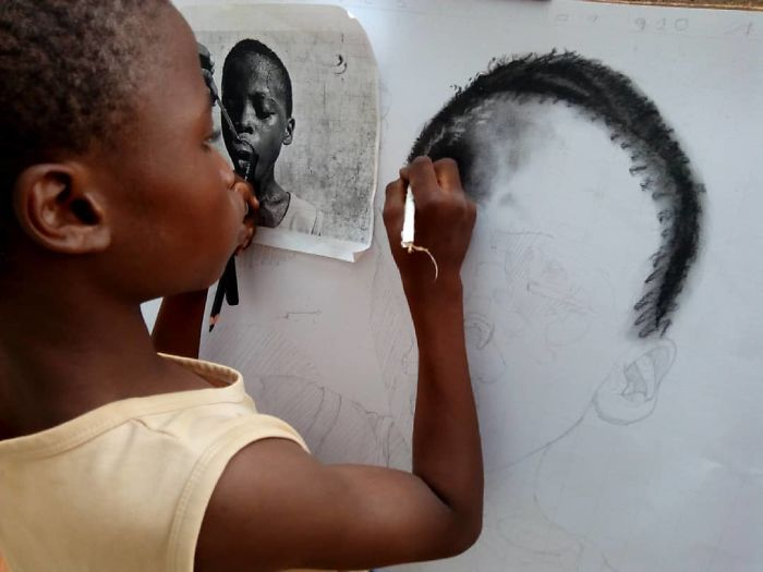 At-11-years-old-boy-makes-hyperrealistic-drawings-that-will-impress-him-5b3c041f6d482__700