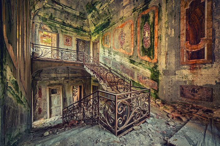 The-beauty-of-abandonment-captured-by-a-photographer-5b45c13bed6c8__700