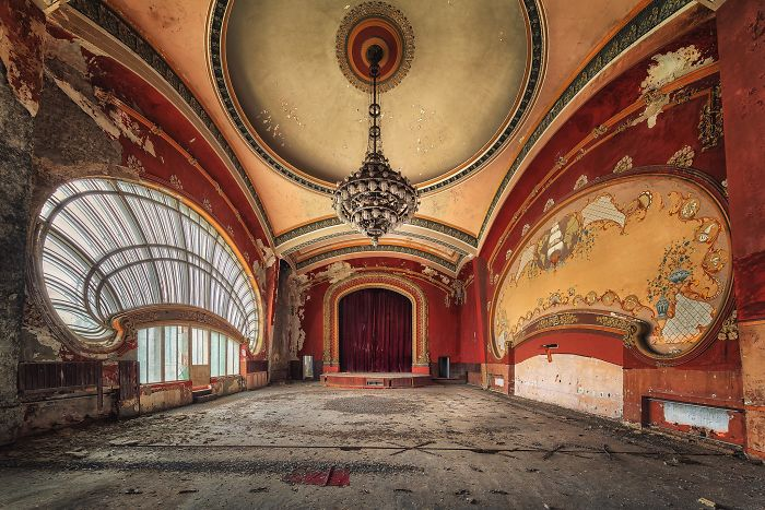 The-beauty-of-abandonment-captured-by-a-photographer-5b45c16996423__700