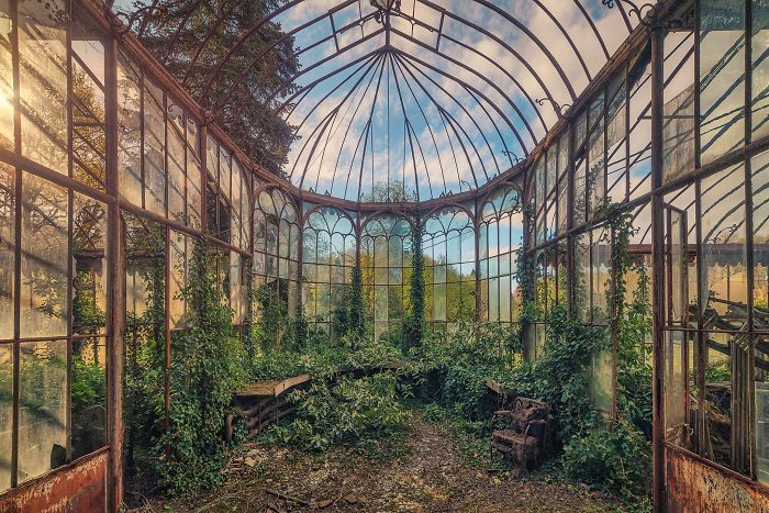 The-beauty-of-abandonment-captured-by-a-photographer-5b45c18db741c__700
