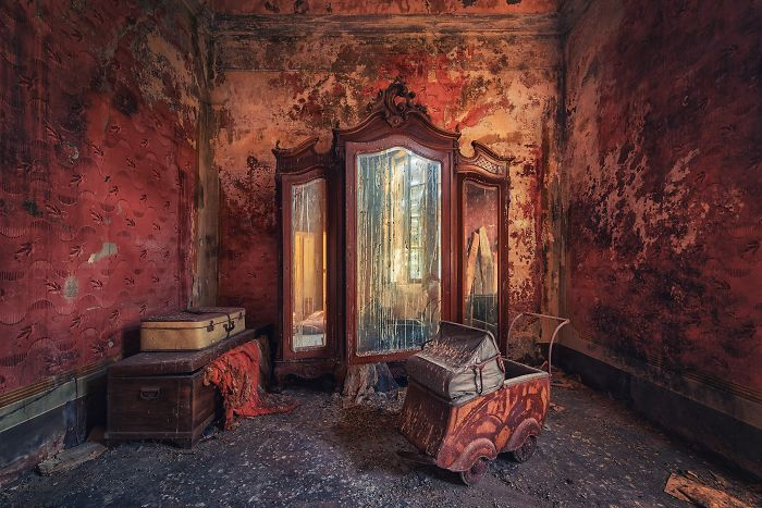 The-beauty-of-abandonment-captured-by-a-photographer-5b45c1b61766d__700
