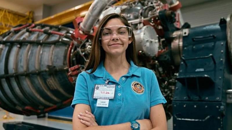 (foto) Are doar 17 ani și este pregătită de NASA pentru a fi prima femeie pe Marte
