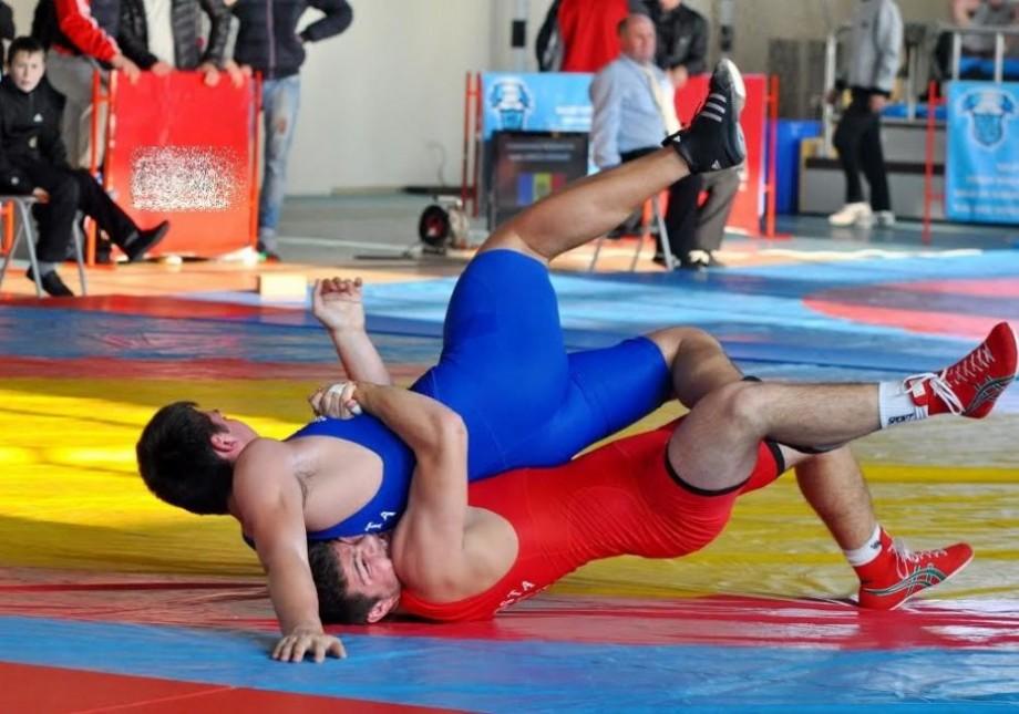 Nouă sportivi vor reprezenta Moldova la Campionatul European de lupte libere pentru juniori. Cine sunt aceștia