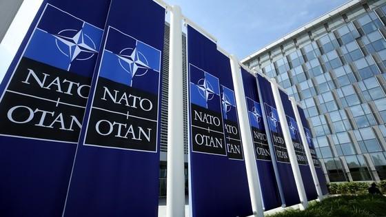 Macedonia a fost invitată oficial să adere la Alianţa Nord-Atlantică