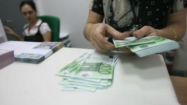 (grafic) Rusia și Italia sunt țările din care cetățenii moldoveni transmit cei mai mulți banii în țară. Cât constituie aceste remitențe