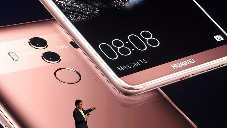 Huawei nu va putea folosi pe propriile telefoane nici cardurile de memorie MicroSD și SD