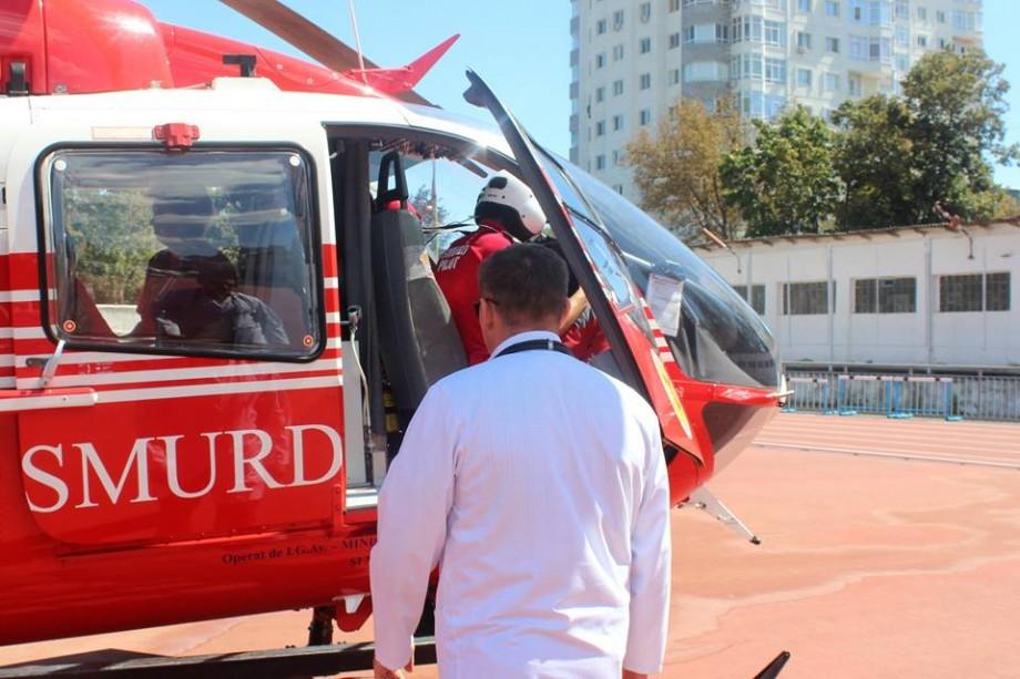 O biciclistă de 17 ani din Cantemir a fost lovită de o mașină. Tânăra a fost transportată la Chișinău cu un echipaj SMURD
