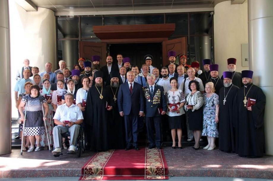 (foto) Igor Dodon a oferit din nou distincții. Un grup de clerici din Moldova s-a ales cu ordine și medalii
