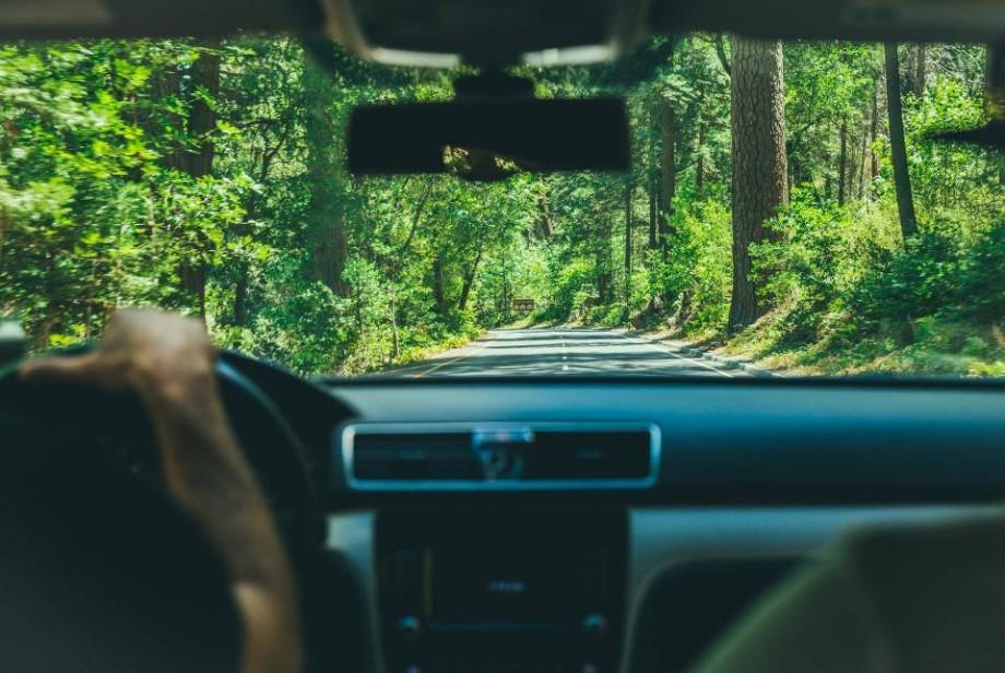 Vii în vacanță în Moldova și vrei să închiriezi o mașină? Lista agențiilor care oferă aceste servicii