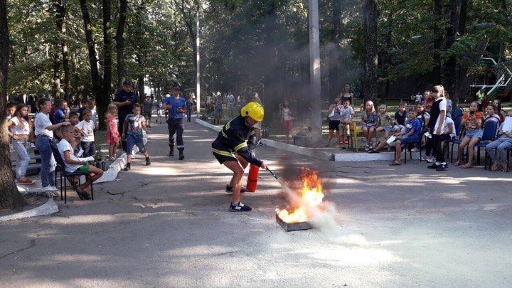 (foto, video) Peste 300 de copii au primit instruiri pentru prevenirea incendiilor și a cazurilor de înec