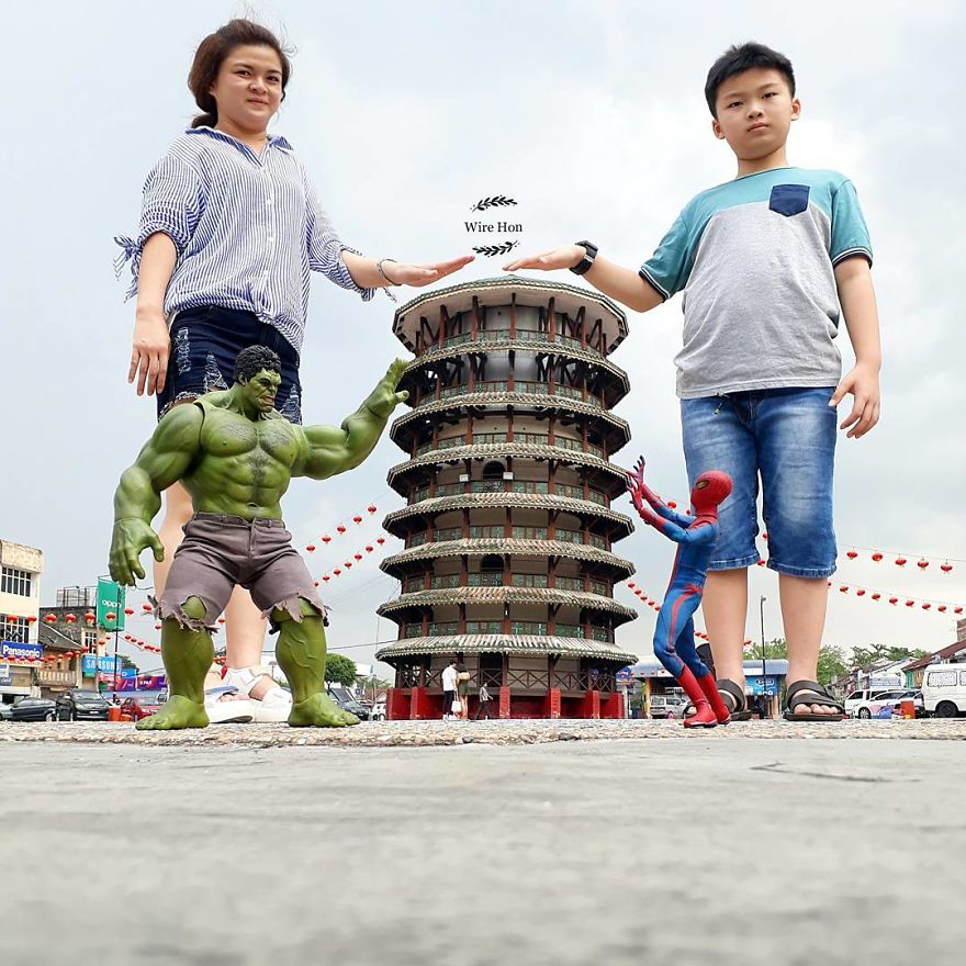 With-just-one-smartphone-man-makes-incredible-pictures-of-him-with-toy-superheroes-using-perspective-5b87a8264c1b3__880
