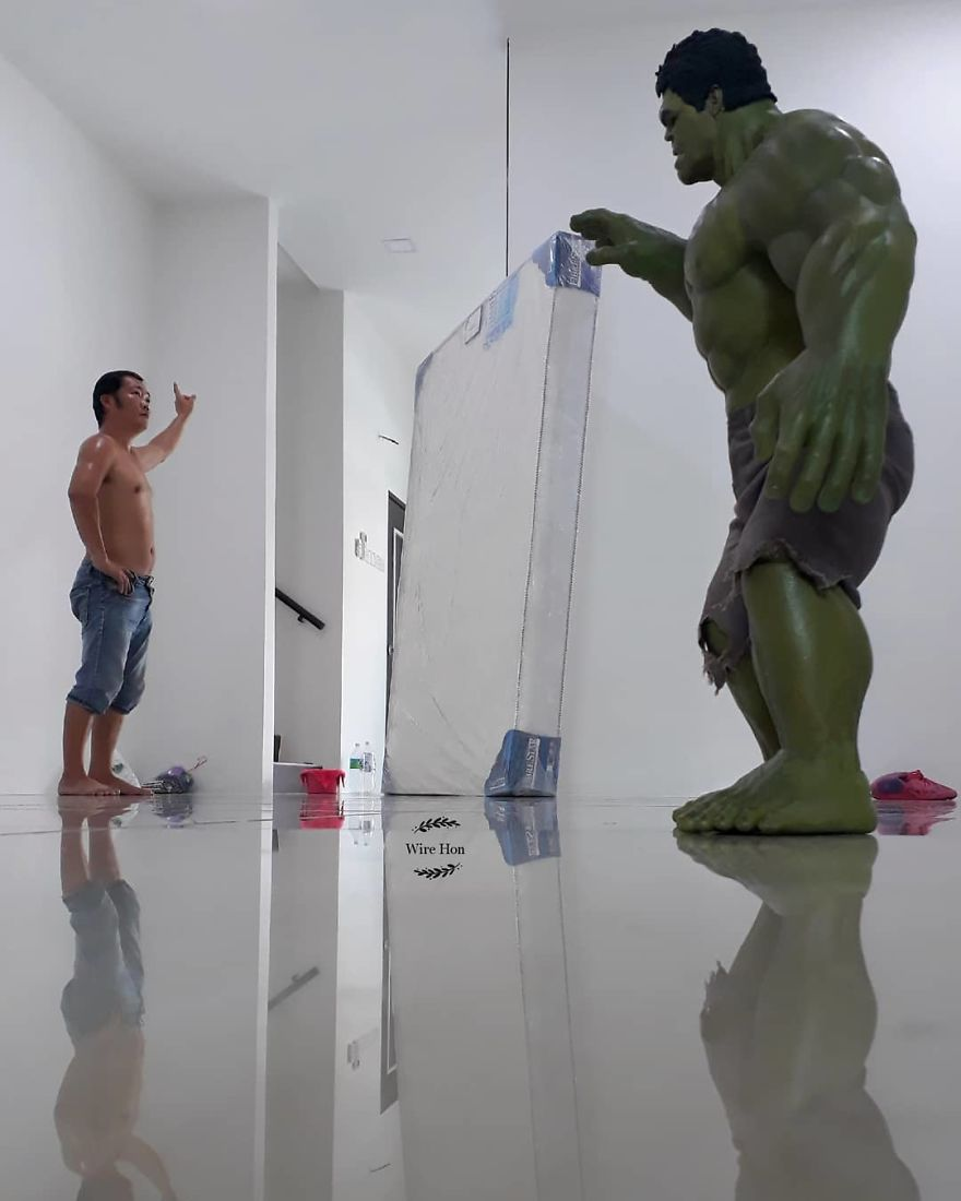 With-just-one-smartphone-man-makes-incredible-pictures-of-him-with-toy-superheroes-using-perspective-5b87a8485004f__880