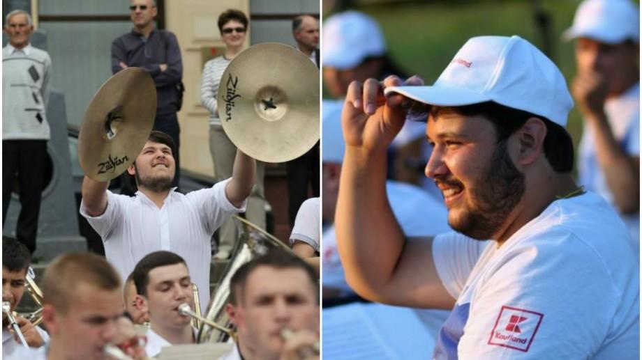 """(foto) Oamenii La La Play. Max Zazubek: """"Cu instrumentul meu comunic la dumneavoastră, noi nu ne tutuim"""""""