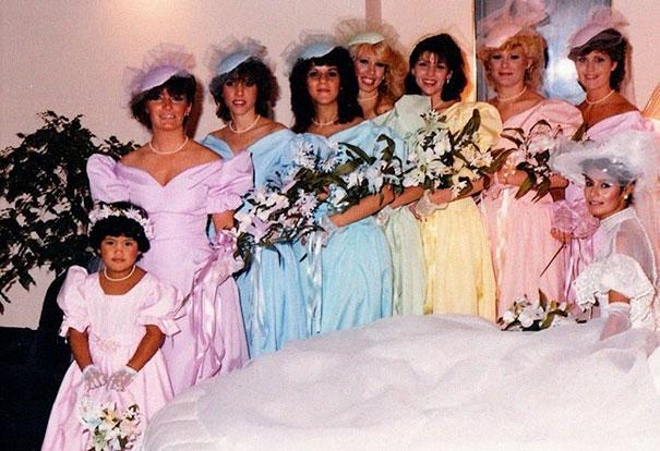 old-fashioned-funny-bridesmaids-dresses-13-5ae2fee4136ce__605