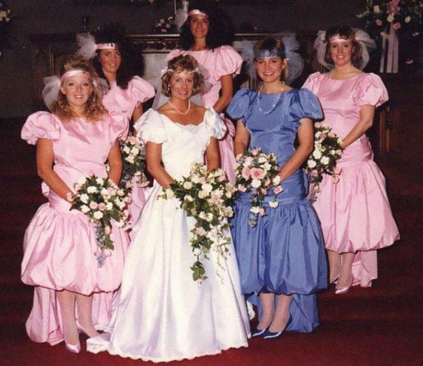 old-fashioned-funny-bridesmaids-dresses-18-5ae305cb04786__605