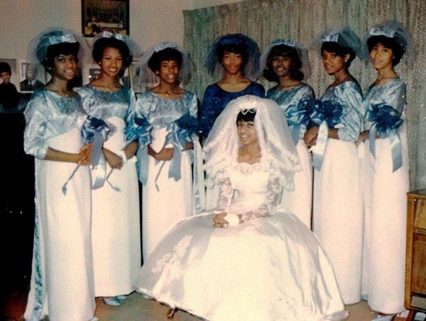 old-fashioned-funny-bridesmaids-dresses-42-5ae328937fa67__605
