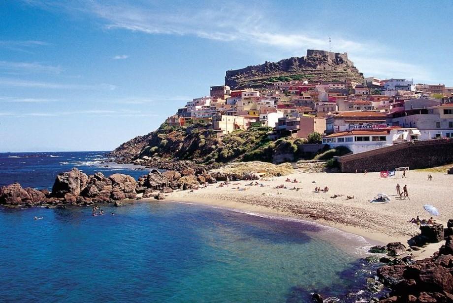 Țara în care vei plăti 3000 de euro dacă vei fura nisipul de pe plajă. Care este motivul