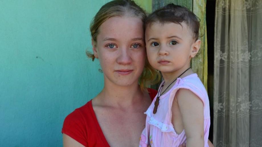 Tinerii din Moldova în anul 2017: Femeile din sate au născut mai mult la o vârstă mai mică decât cele din orașe