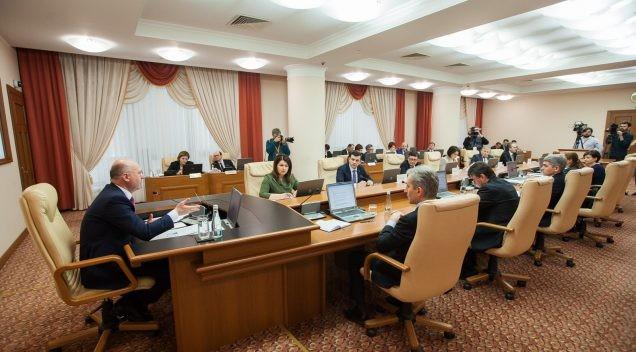 (doc) Lista celor mai buni elevi și studenți din Moldova care vor primi bursele Președintelui, Guvernului, Republicii și Gaudeamus