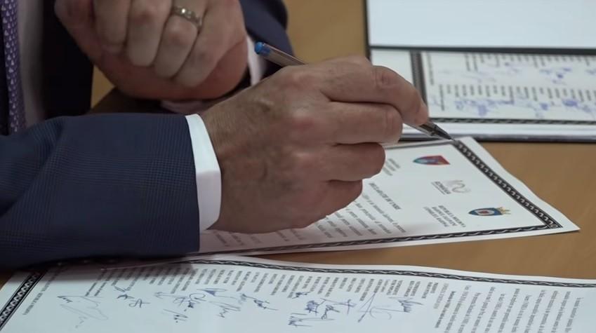 (video) Județul Ilfov din România și raionul Ialoveni din Moldova au semnat o declarație de Unire