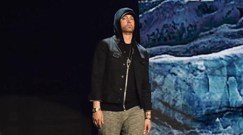 (foto, video) Surpriză pentru fanii lui Eminem. Rapperul a lansat un nou album