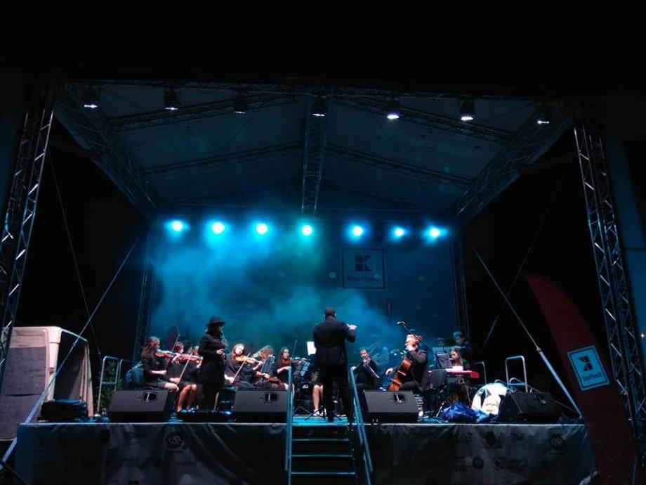 """(live text, foto, video) După o zi plină de activități energizante, festivalul """"Bucurie în mișcare"""" continuă cu un concert"""