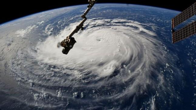 (video) Uraganul Florence se apropie de coasta de est a SUA. Specialiștii estimează ca viteza vântului va ajunge până la 155 km pe oră