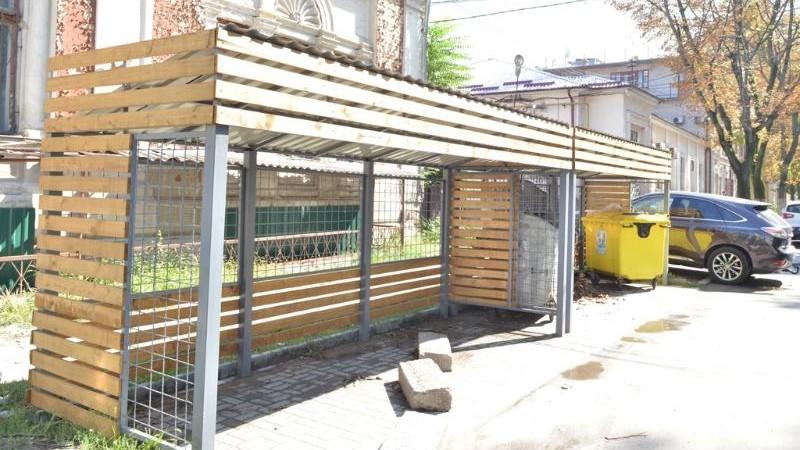 (foto) În Chișinău se instalează noi platforme de colectare a deșeurilor menajere. Proiectul a costat 27 milioane de euro