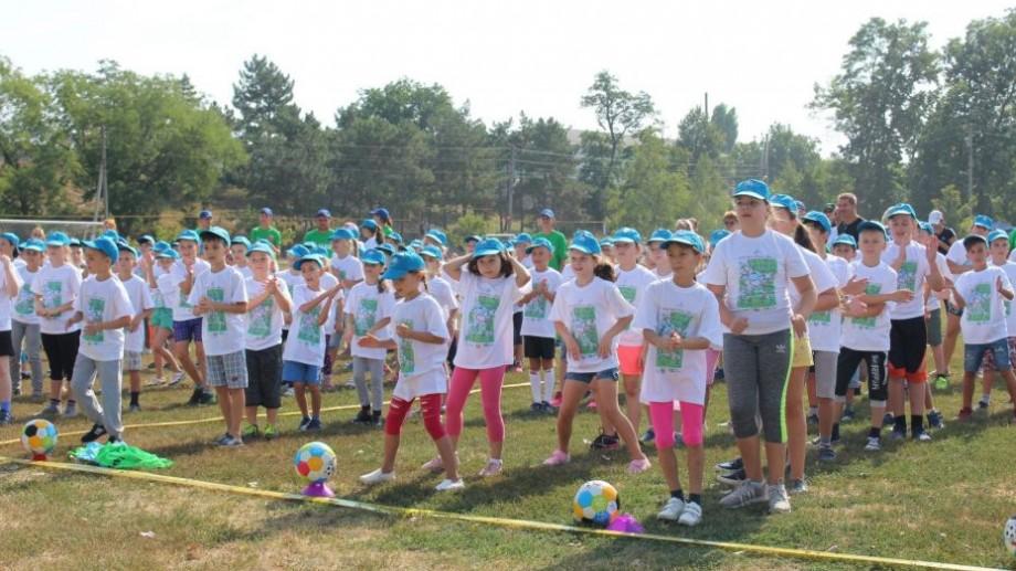 """(foto, video) Festivalul fotbalistic """"Open Fun Football Schools"""". Cum s-a desfășurat prima acțiune organizată în oraşul Grigoriopol"""