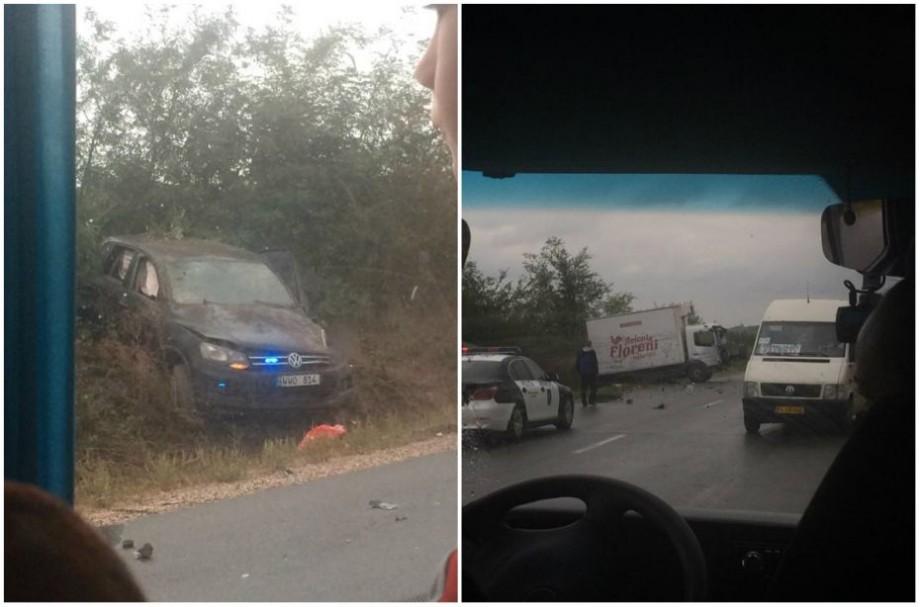 (foto) Mașina președintelui Dodon, implicată într-un accident rutier în apropiere de Strășeni
