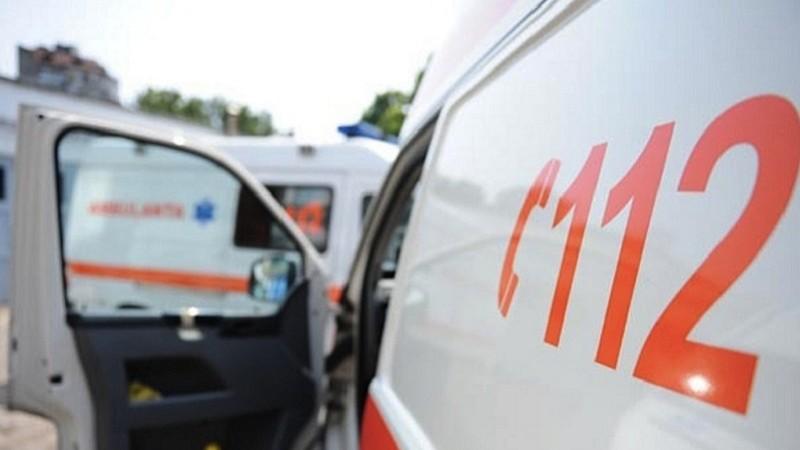"""""""Nu a fost nicio mașină liberă"""". Răspunsul Serviciului 112 în cazul bărbatului care a murit în stradă până la venirea ambulanței"""