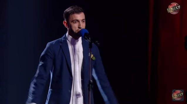 """(video) """"Să nu vă fie rușine că sunteți moldoveni"""". Un tânăr din Moldova a avut o prestație emoționantă la un show din Ucraina"""