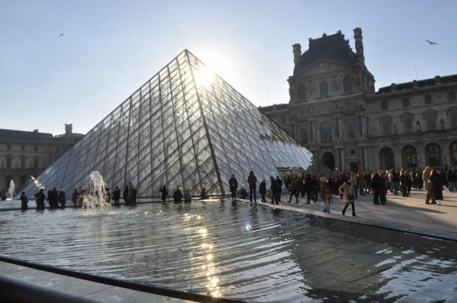 Steagul lui Ștefan cel Mare va fi expus într-o expoziție la Muzeul Luvru din Paris