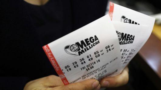 Câștig record la o loterie din SUA. Un jucător a ghicit toate cele șase cifre și a câștigat 1,6 miliarde de dolari