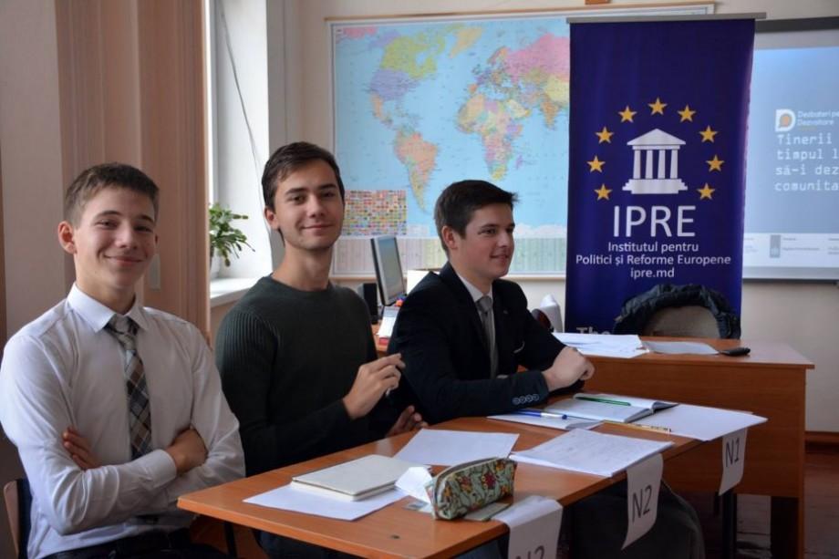 Participă gratuit la o școală de toamnă și aprofundează-ți cunoștințele cu privire la Uniunea Europeană