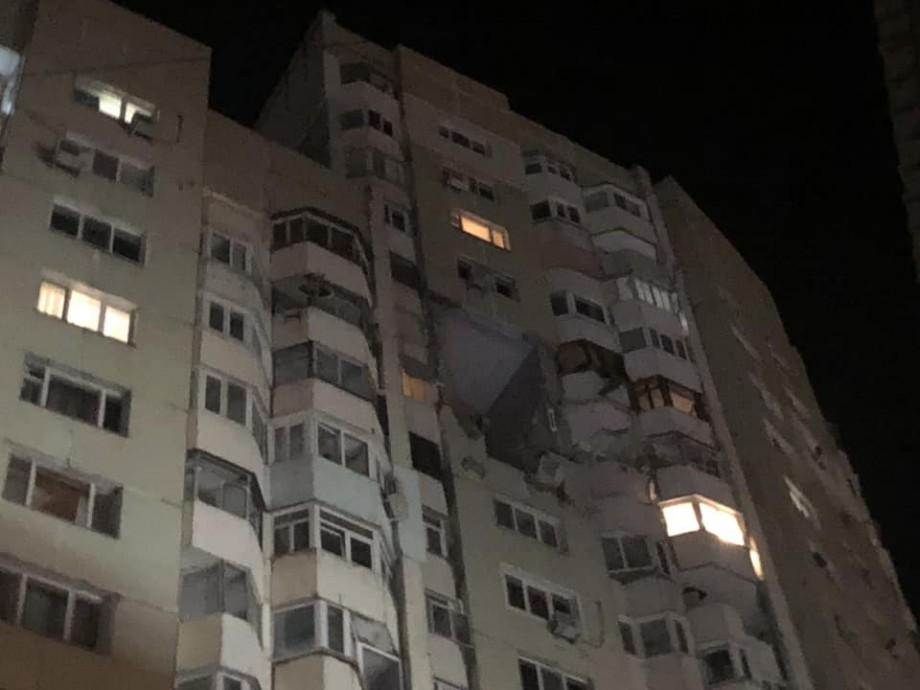 (video) Explozie în sectorul Rîșcani al capitalei: Trei apartamente afectate. Circulația pe bulevardul Moscovei a fost blocată