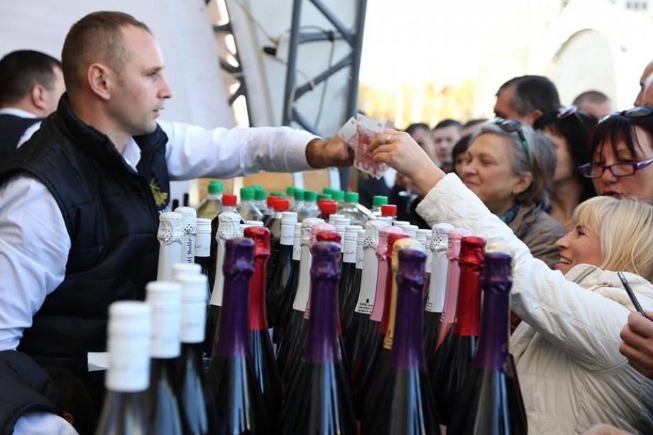 Ziua Națională a Vinului în cifre: Au fost vândute 83 de mii de sticle de vin și au fost degustate aproximativ 10 mii de unități