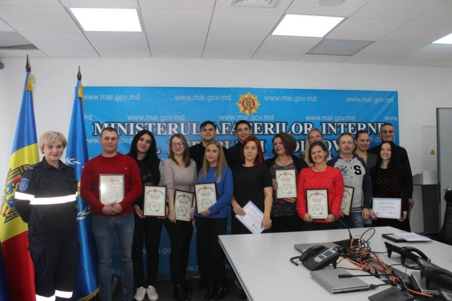 (foto, video) Voluntarii care au ajutat sinistrații în urma exploziei de pe bulevardul Moscovei, au primit diplome de onoare