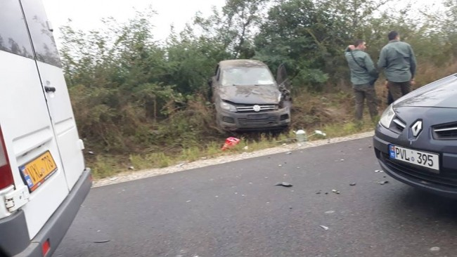 """""""Era sau nu Dodon în mașină în timpul accidentului? """". Cele mai populare articole de pe blogurile din Moldova, din luna septembrie"""