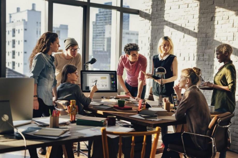 Ești un tânăr antreprenor? Participă la un program de training cu experți și obține un stagiu de șase zile în Viena