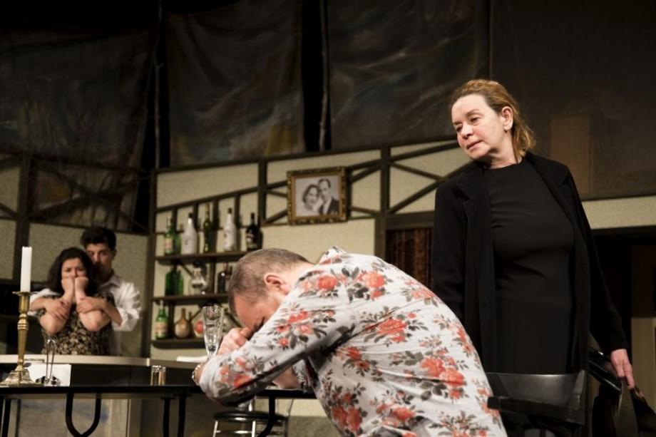 """Pentru acest sfârșit de octombrie, Teatrul Național Eugene Ionesco a pregătit spectacolul """"Căldură în noiembrie"""""""